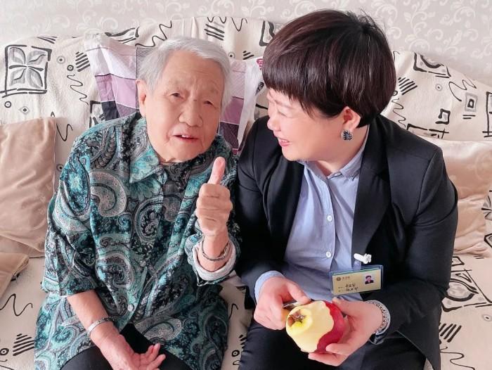 北京金手杖�F在我命令你���B老公寓:以心�Q心,用�鄯���